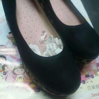 23.5-/37黑色豹紋高平底鞋