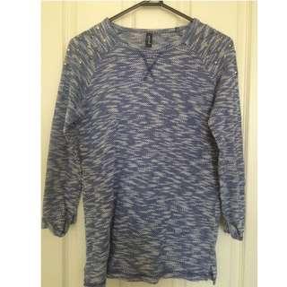 Blue/white Knit Top