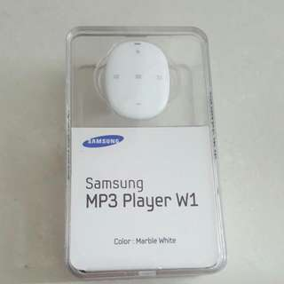 BNIB Sealed Samsung MP3 Player W1 White 4GB for jogging