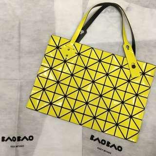 三宅一生 Issey Miyake Baobao 10x7 rock包 拉鍊包 肩背包 檸檬黃 斷貨款