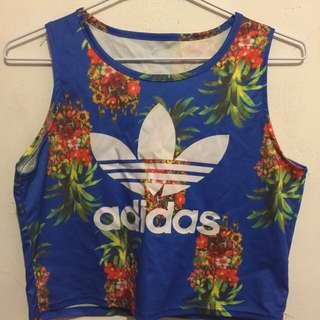 Adidas 短版上衣