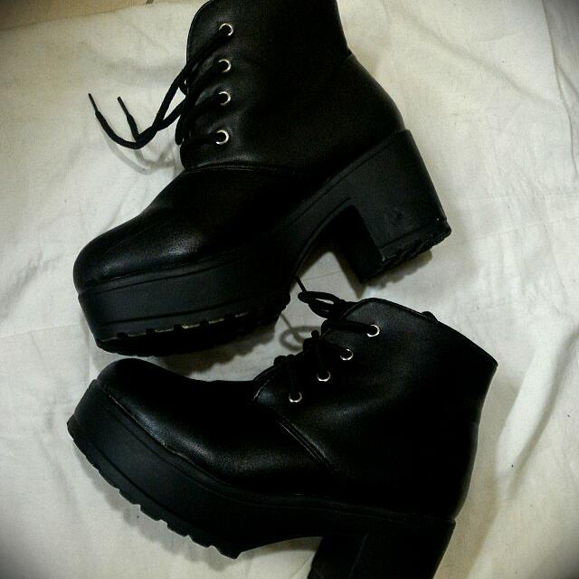 (保留中)厚底高筒靴