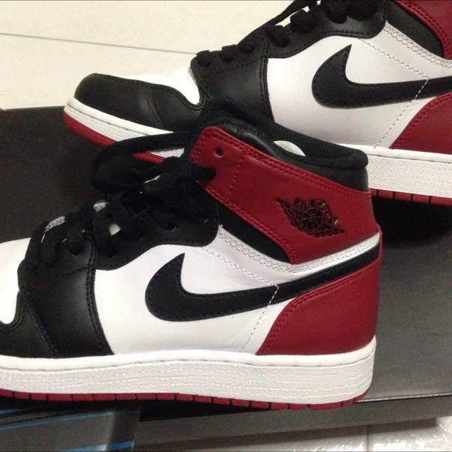 Air Jordan 1 Black Toe