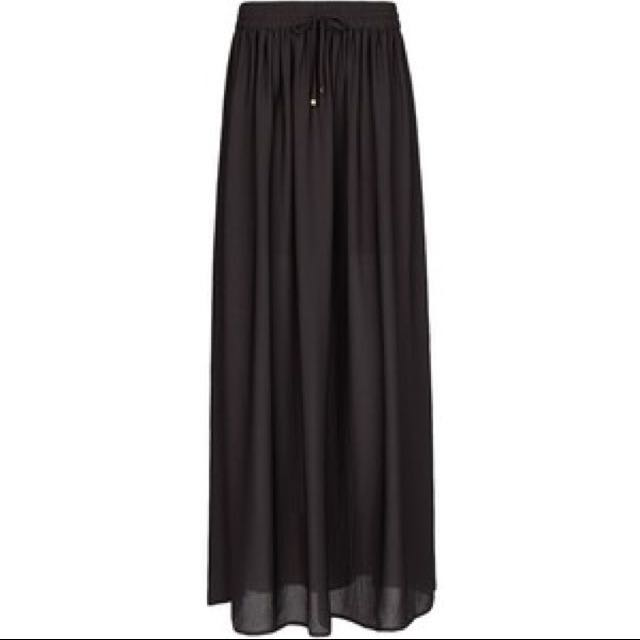 7903b640abd7cd Mango Black Flowy Maxi Skirt, Women's Fashion on Carousell