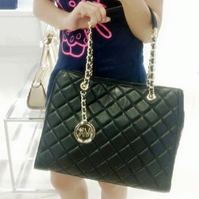 138154b29b6d MK Susannah Quilted Leather Large Tote, Luxury on Carousell