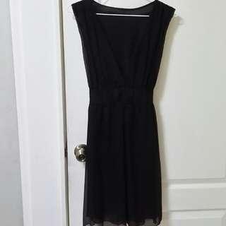 無袖大V領黑洋裝9成新