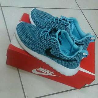 含運)Nike roshe run 慢跑鞋