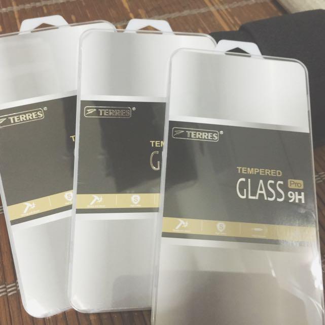 滿版全透明9H玻璃保貼