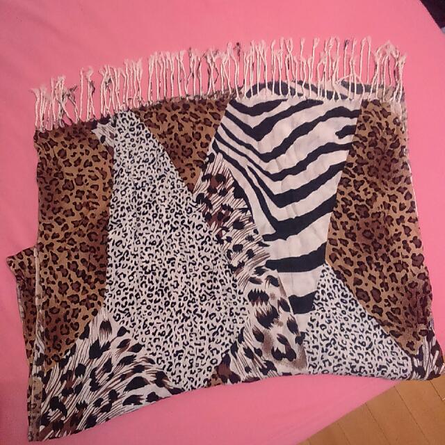 ◆ 降 ↓ 動物紋大圍巾 披肩