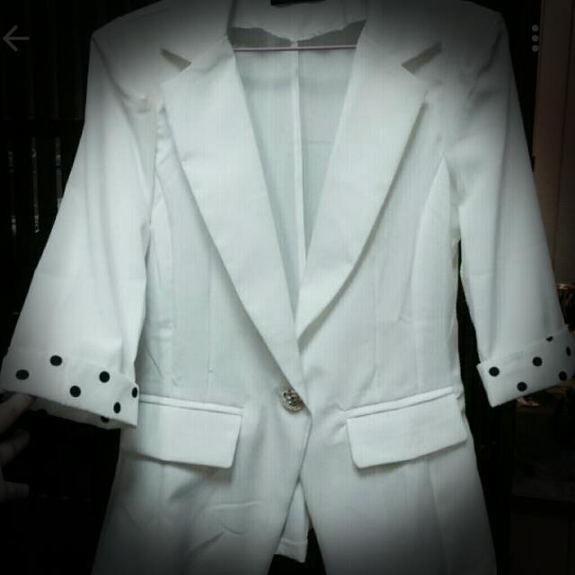 OL全新白色七分袖💲250含運