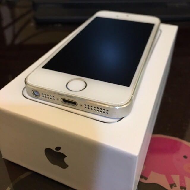 (保留中)iPhone 5s 銀色 16G 附充電線&全新耳機