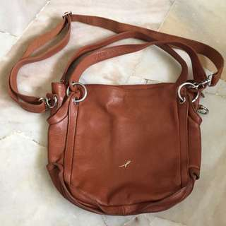 GIAMAX SLING BAG (fully leather)