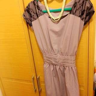 九成新【優雅氣質蕾絲短袖粉嫩紫洋裝】約會、喜酒都適合! 超低價心疼售出