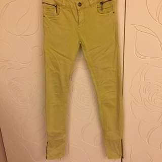 Pull&bear 芥末黃窄腳褲