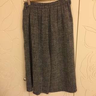 灰色棉麻料寬褲