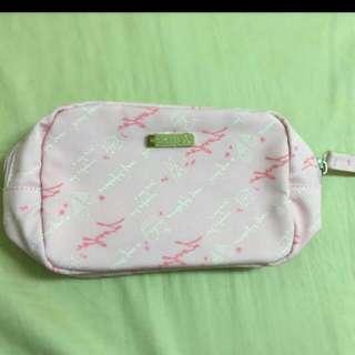 粉嫩童話化妝包