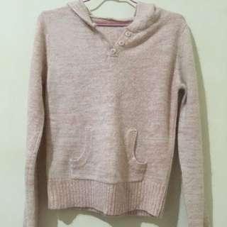 粉色短版毛衣