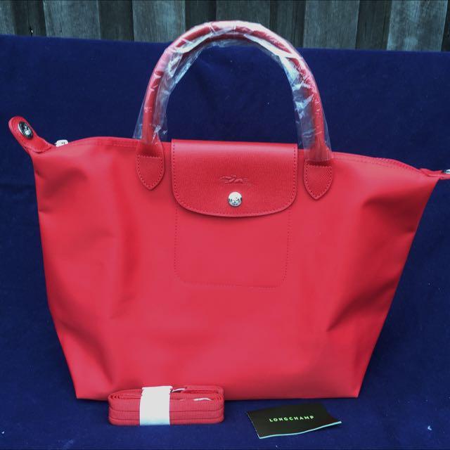 Longchamp Le Pliage Neo Medium. Red