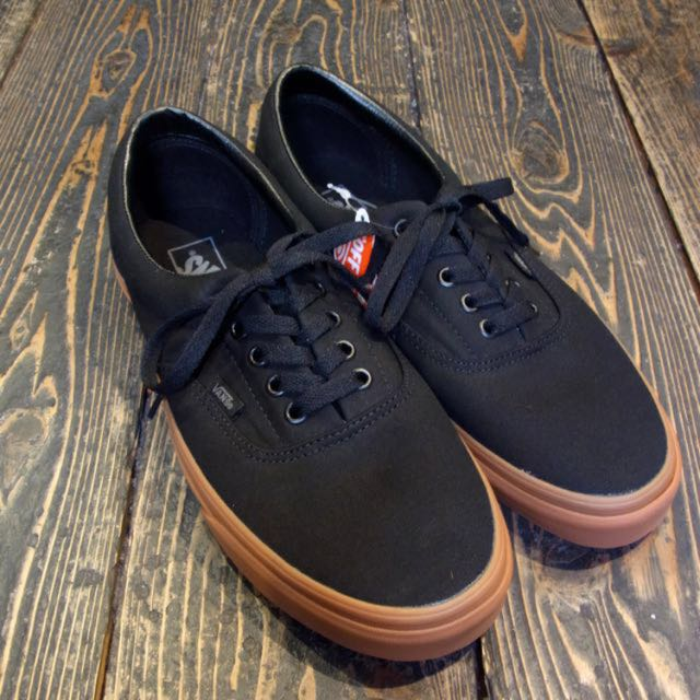 black vans gum sole