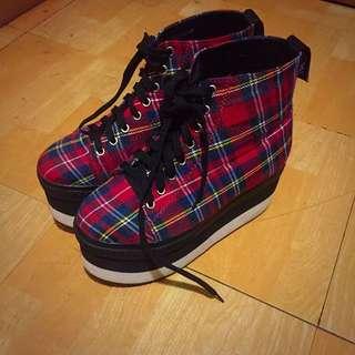 八成新的後底靴子