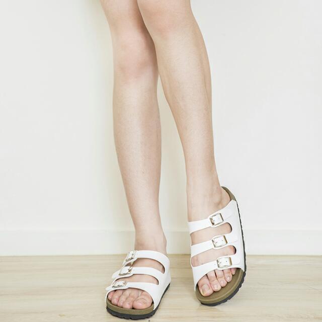 06女生白色勃肯拖鞋