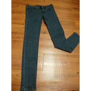 低腰窄管牛仔褲