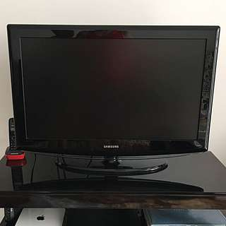 "Samsung 32"" LCD TV ***Reserved***"