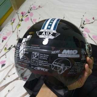 BRAND NEW AIIZ Eagle Helmet