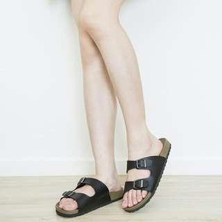 07女生黑色勃肯拖鞋