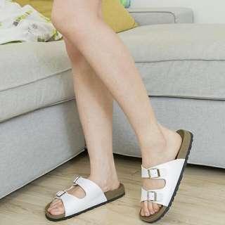 05女生白色勃肯拖鞋