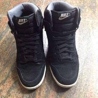 Nike 內增高