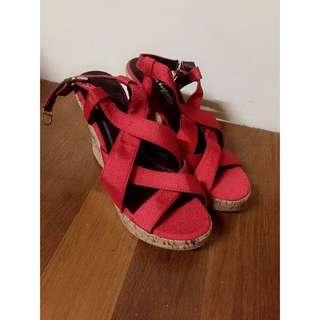 女神 紅色綁帶 楔形鞋