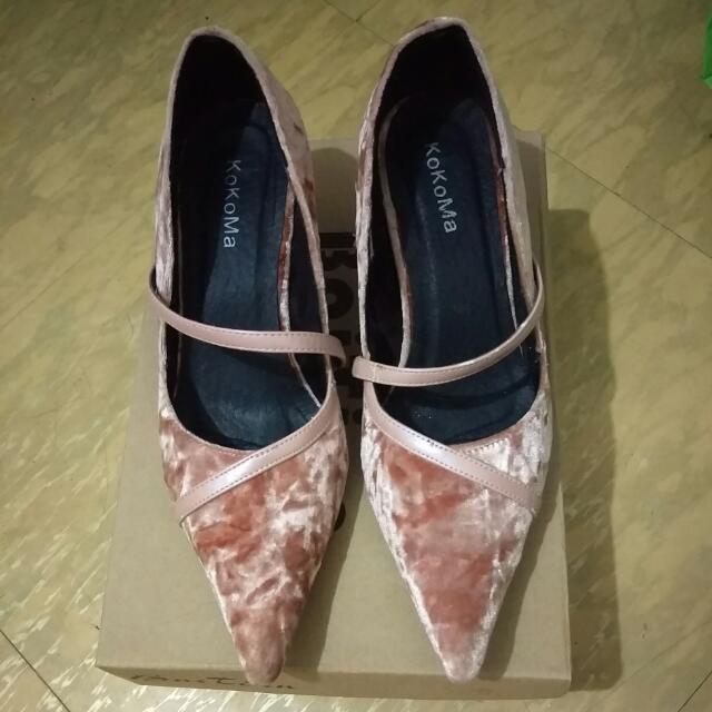 粉色絨布低跟鞋