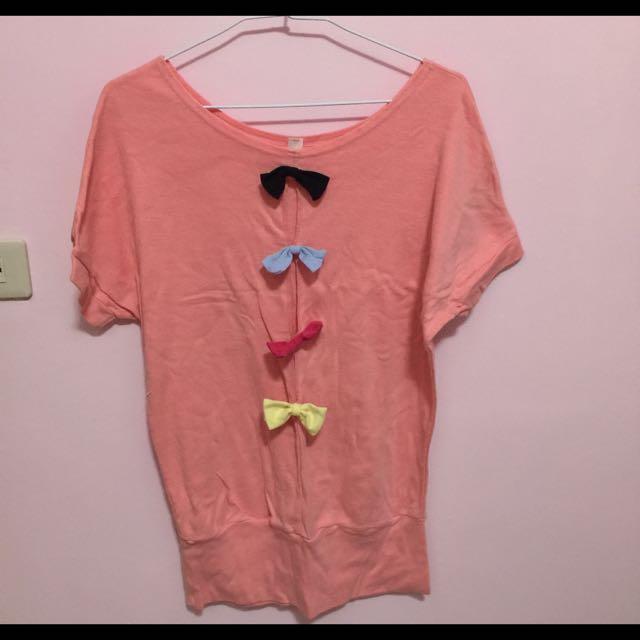 粉色啾啾上衣