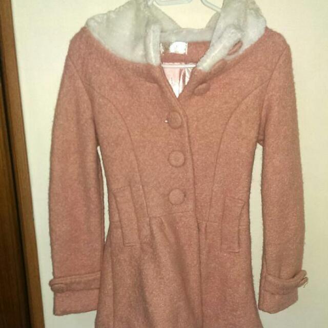 超保暖 日系甜美風粉色厚外套 縮腰設計 下擺像裙子 後有蝴蝶節設計
