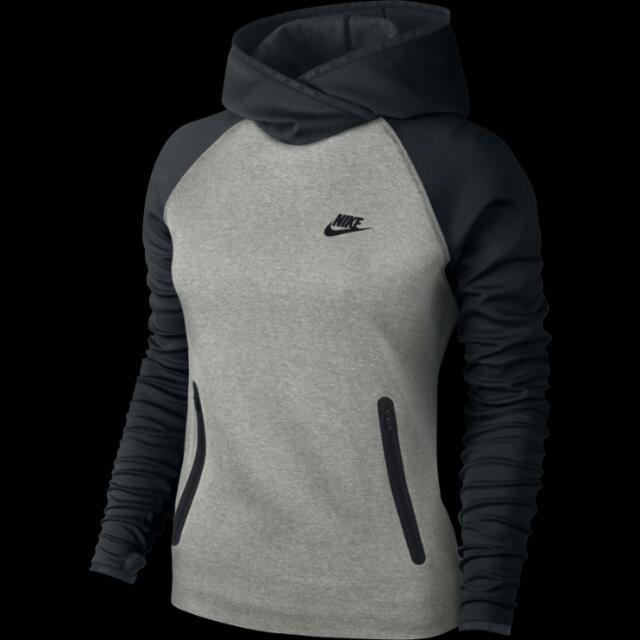 Nike 運動帽T