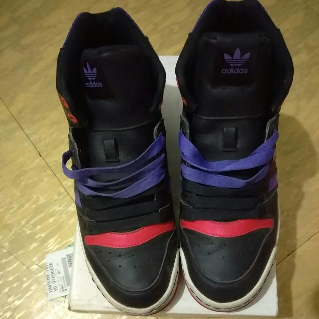 正牌adidas低筒運動鞋