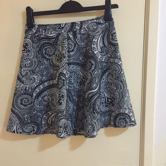 BOOHOO Printed Boyfriend Skirt