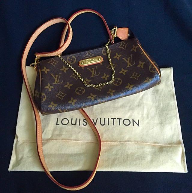 722c0dd3ffb Preloved Louis Vuitton Eva Monogram Azur Clutch