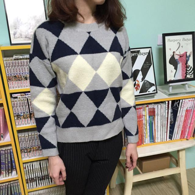 STARMIMI幾何配色三角型毛衣
