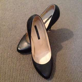 Black Tony Bianco Pumps