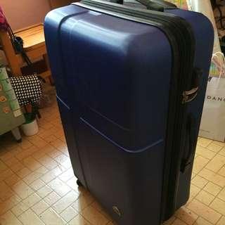 9.5成新 28吋 [Just beetle]  藍色 硬殼 防刮 行李箱