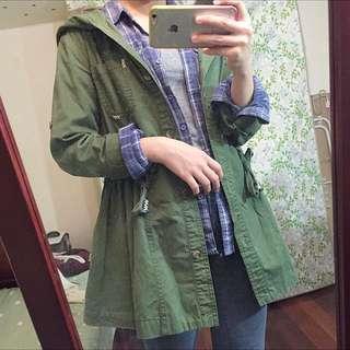50% 軍綠 風衣外套