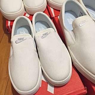 Nike懶人鞋