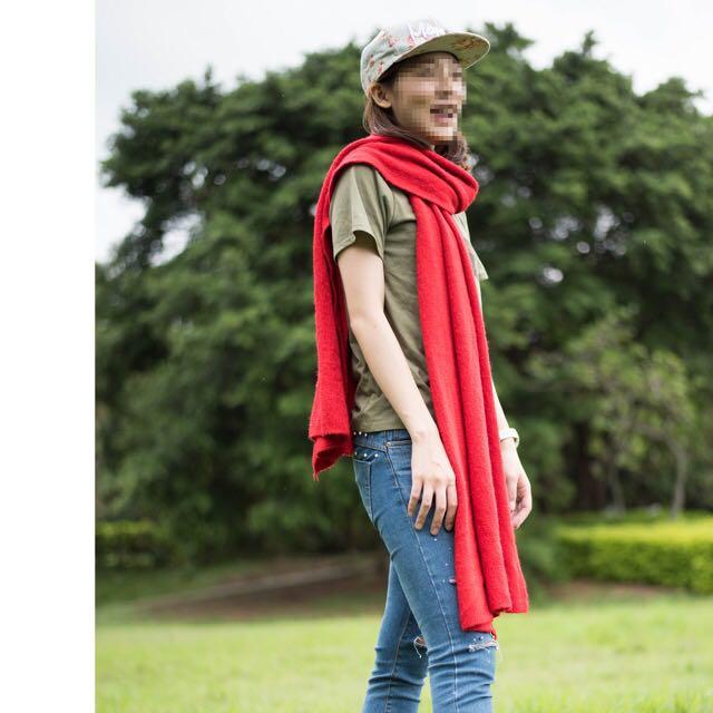 暖呼呼的紅色大圍巾