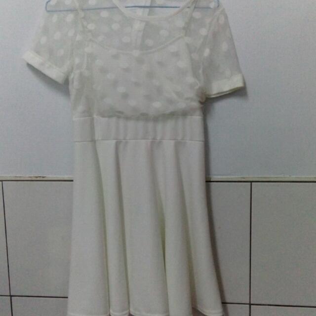 全新白色點點透膚好感洋裝