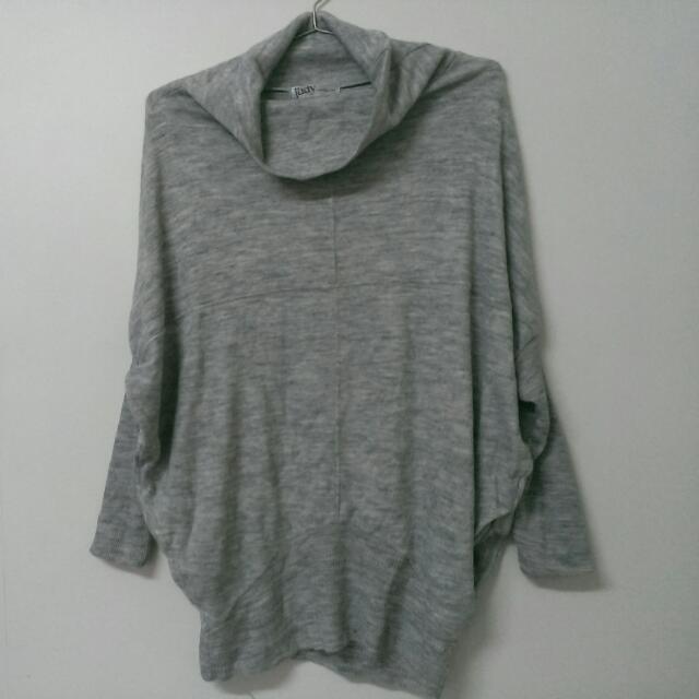 *二手*韓製精品-淺灰色針織長版飛鼠袖翻領上衣
