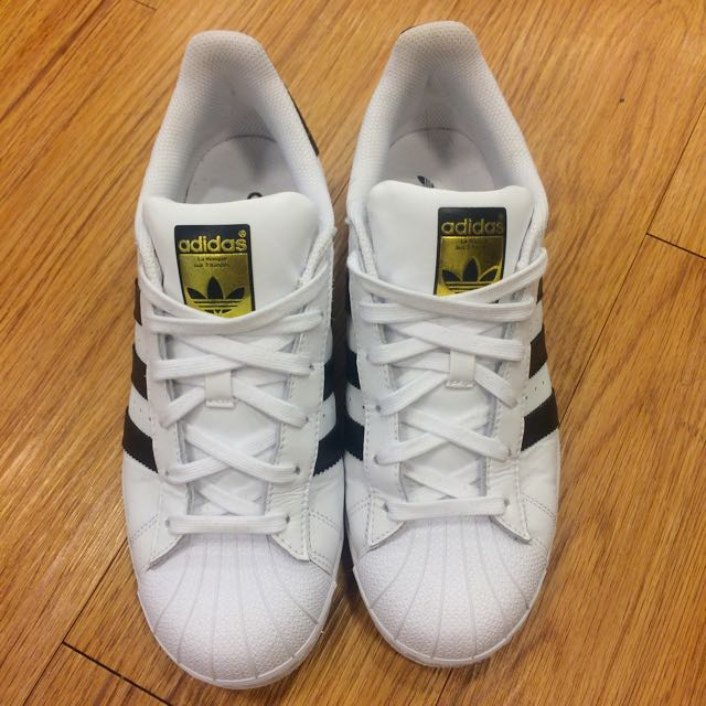 adidas SuperStar運動鞋