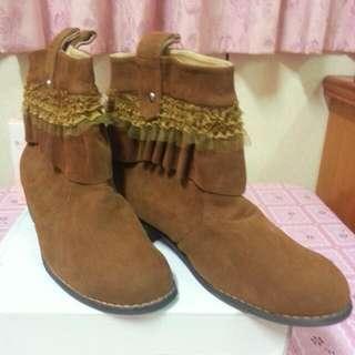 棕色短靴(全新)