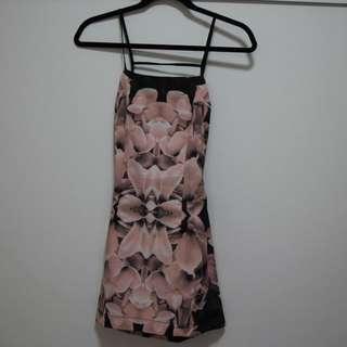 Backless pink dress, size 6-8